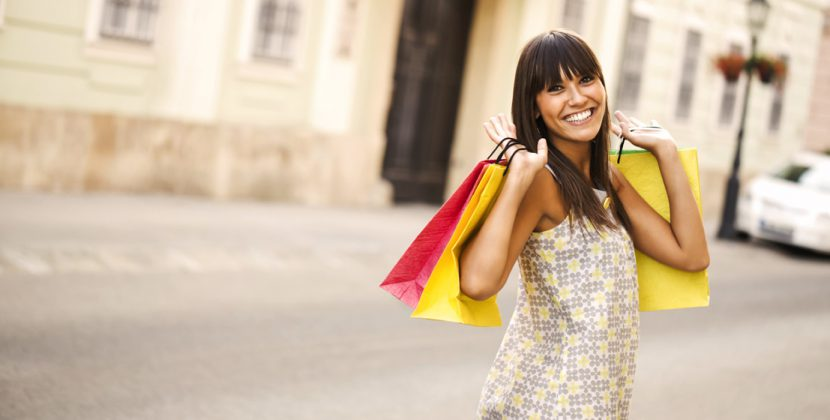 feature-banner-girl-shopping